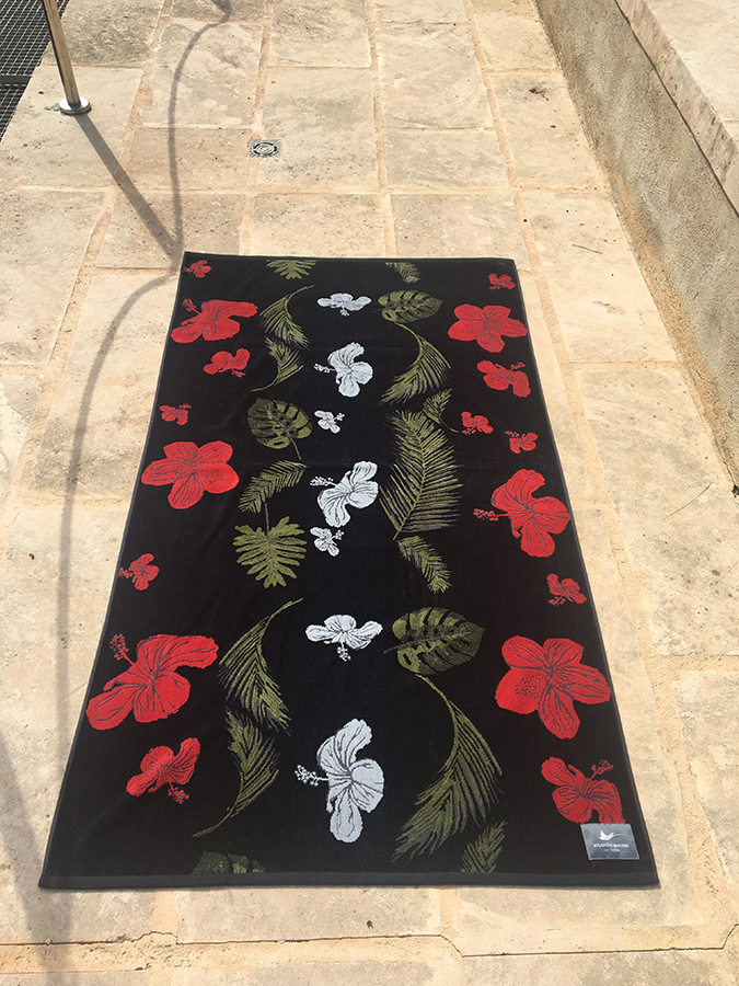 Atlantic Shore Surf Poncho ➤ Special Hibiscus Edition ➤ Black//Red