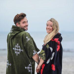 Surf Ponchos – Hibiscus & Compass
